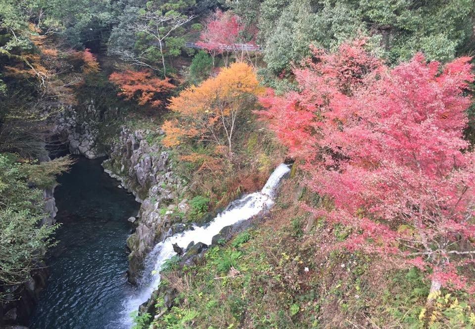 秋の長田峡